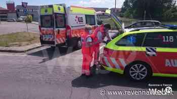 Lugo: due ciclisti si scontrano nel sottopasso, un 68enne trasportato al Bufalini è grave - Ravennawebtv.it