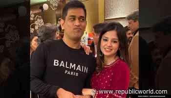 MS Dhonis wife reveals reason behind cricketer not being on social media during COVID-19 - Republic World - Republic World