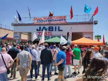 Licenziamenti Jabil Marcianise, levata di scudi di CGIL - CISL - UIL Caserta - La Rampa