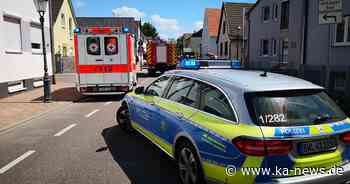Zusammenprall mit geparktem Lkw: Autofahrer erleidet Kopfverletzungen - ka-news.de