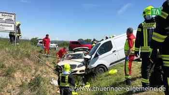 Drei Verletzte: Schwerer Unfall auf Bundesstraße nahe Mattstedt - Thüringer Allgemeine