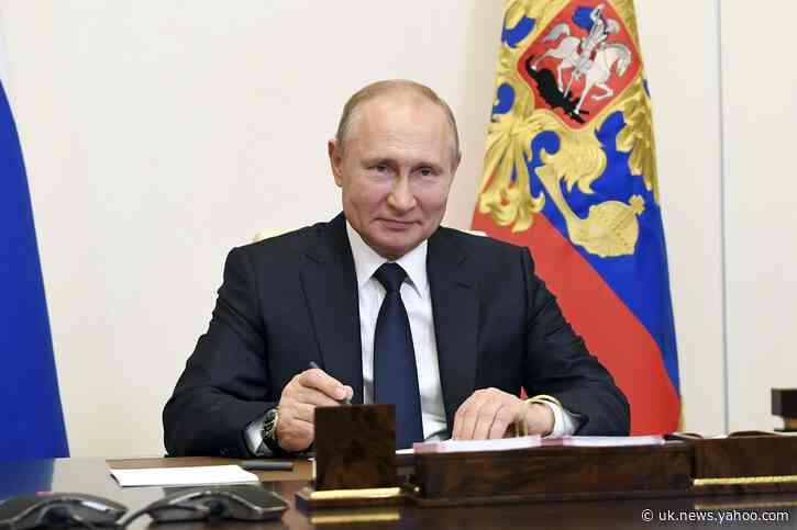 Putin sets July 1 for vote to extend his rule for years