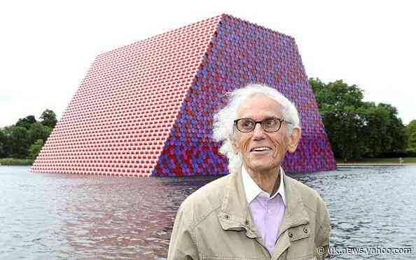 Christo, conceptual artist who wrapped the Reichstag – obituary