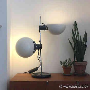 Guzzini 1960s 1970s table desk lamp, retro vintage Italian IGuzzini