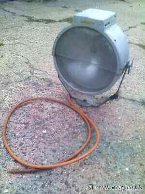 A NICE  INDUSTRIAL CANNON LARGE FLOOD LAMP GAS LIGHT