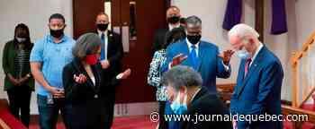 Mort de George Floyd: Biden rencontre des responsables noirs dans une église
