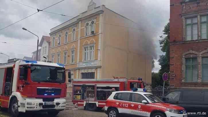 Feuer-Drama in Naumburg: Rentner (70) will Nachbarin (85) retten - und stirbt in den Flammen - RTL Online