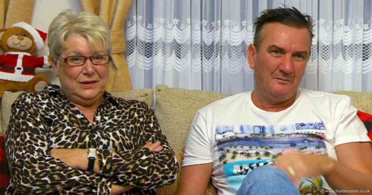 Gogglebox favourites Jenny and Lee post heartbreaking photo of iconic sofa - Hull Daily Mail