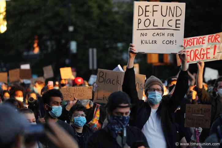 Cuomo orders 11 p.m. curfew in New York City after days of violence