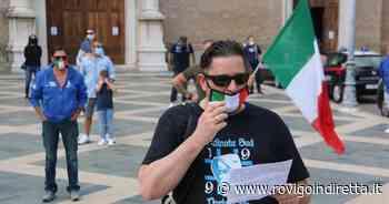 Mascherine Tricolori contro il Governo in piazza ad Adria - RovigoInDiretta.it