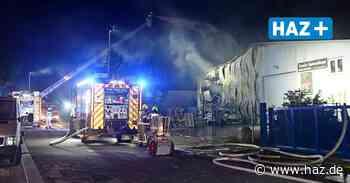 Wedemark: Feuer in Industriehalle in Bissendorf - Hannoversche Allgemeine