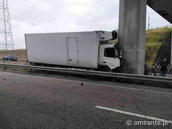 Pesado embate em pilar de viaduto na A23 em Meia Via e faz um ferido - O Mirante