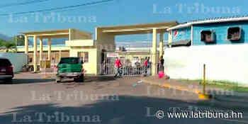 Mueren dos mujeres en la sala COVID-19 del hospital Atlántida; una de ellas positiva al virus - La Tribuna.hn