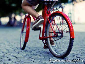 Reggio Emilia festeggia la Giornata mondiale della bicicletta con un'installazione creativa e focus online sul mondo delle due ruote - Modena 2000