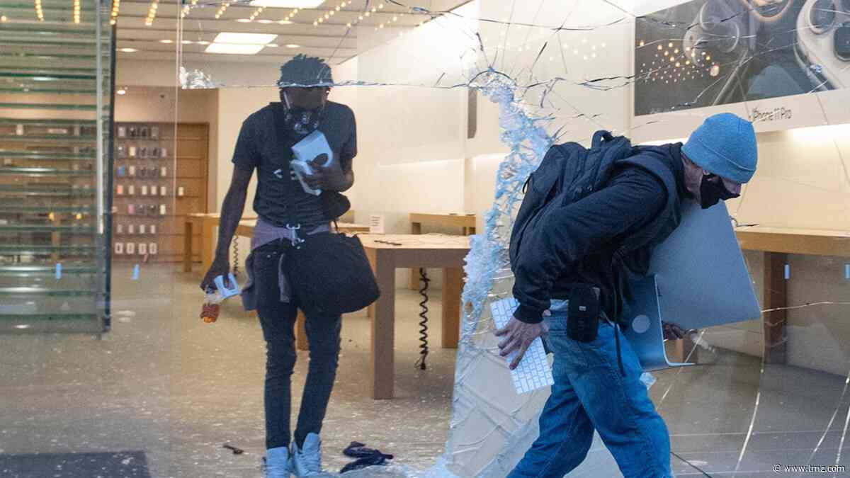 Apple Store Looters Won't Be Able To Use Or Pawn Stolen Gadgets