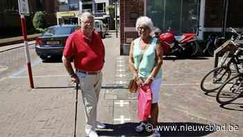 """Het grensdorpje waar de Nederlanders wel op het terras mogen zitten en de Vlamingen niet: """"Denk er nu echt iemand dat het zo werkt?"""" - Het Nieuwsblad"""