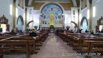 Fiéis se despediram na tarde desta segunda (1º), de padre Egídio de Vidi, de 95 anos, dura - TNOnline
