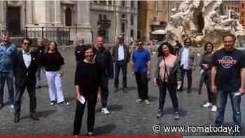 """""""Le mani dell'Italia"""": 12 botteghe artigiane romane realizzano e regalano una scultura alla città di Bergamo"""