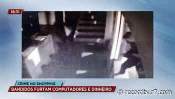 Loja de shopping é furtada na zona oeste do Rio de Janeiro - R7