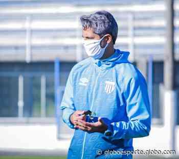 Rodrigo Santana destaca opções e vê elenco do Avaí preparado para disputar a Série B - globoesporte.com