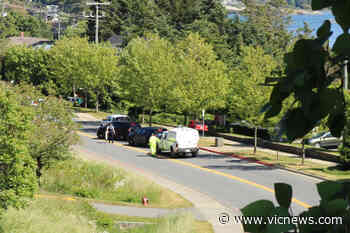 UPDATED: Three people sent to hospital following serious crash in View Royal, BC Coroner Service investigating - Victoria News