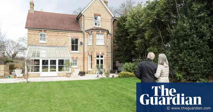 More 'age-appropriate' homes needed in the UK, says report