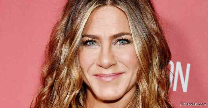 Jennifer Aniston's Marriage To Brad Pitt Had Some Low Points That She Regrets - The Blast