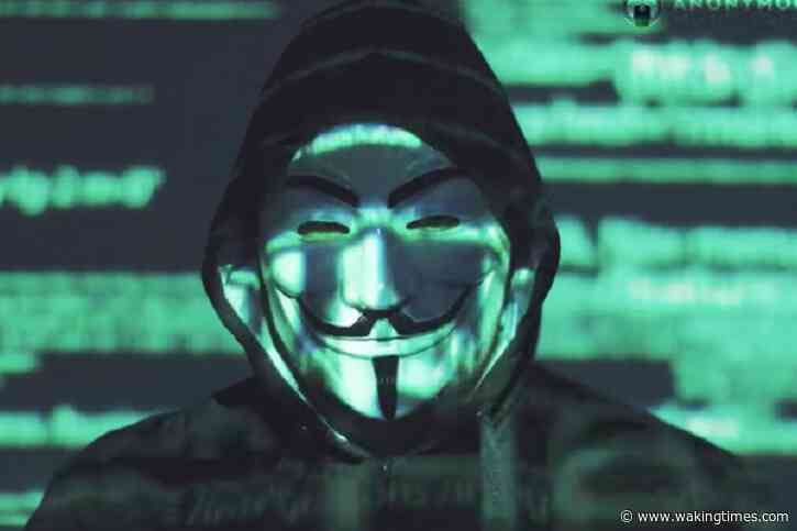 'Anonymous' Hijacks Chicago Police Radios to Play NWA's 'F*ck The Police' During Protests