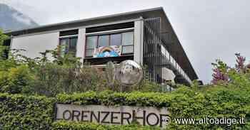 Lana, il Lorenzerhof resiste «Finora nessun decesso» - Venosta - Alto Adige