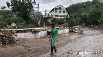 VIDEO: Así quedó la calle Agua Caliente de Soyapango luego de las torrenciales lluvias - elsalvador.com