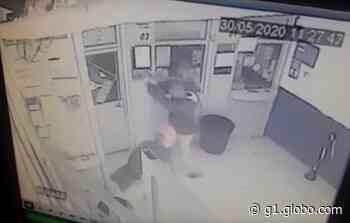 Assaltantes invadem lotérica em Birigui e roubam dinheiro e malotes - G1