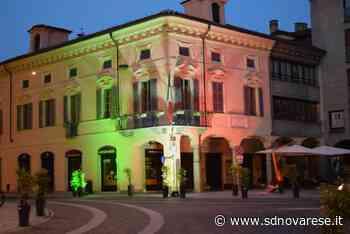 Borgomanero, i colori bianco, rosso e verde proiettati su Palazzo Tornielli - L'azione - Novara