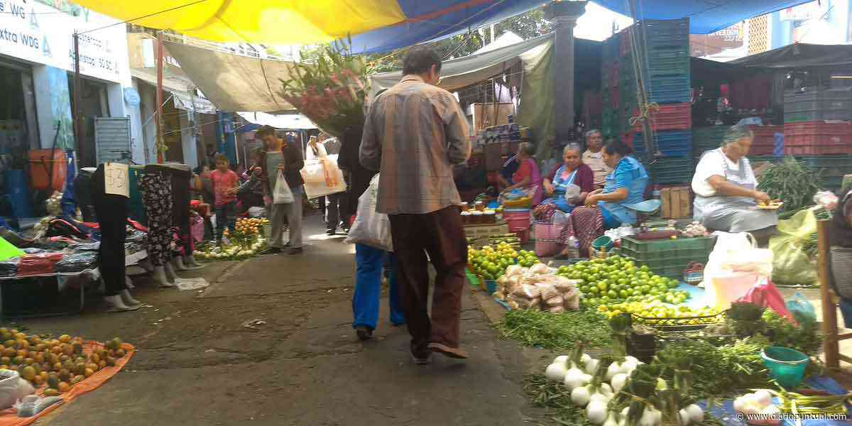 Tianguistas de Atlixco regresan a las calles sin medidas sanitarias - Diario Puntual