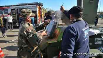 Arroz con pollo, el mejor festejo de los Bomberos Voluntarios de Rosario - La Capital (Rosario)