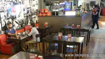 En Rosario, los clientes deberán identificarse para entrar a bares y restaurantes - La Capital (Rosario)