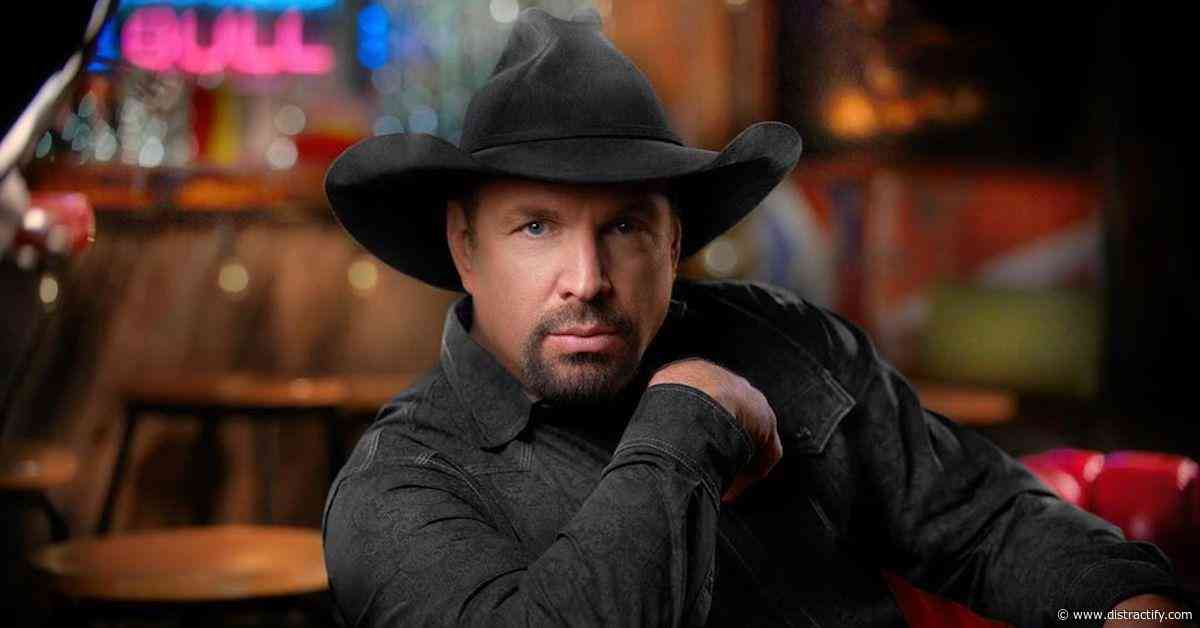 Why Is Garth Brooks Not on Spotify? He's on Amazon Music - Distractify