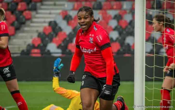 Oparanozie signs for Dijon