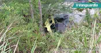 Taxi se salió de la vía y cayó al río Suratá en la mañana de este martes - Vanguardia