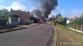 Faits divers - Une voiture prend feu à Boiscommun - La République du Centre