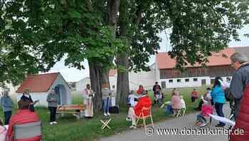Altmannstein: In Gedanken den Gnadenort besucht - Letzte Maiandacht wird in Hagenhill gefeiert - Fast 50 Gläubige beten zu Maria - donaukurier.de