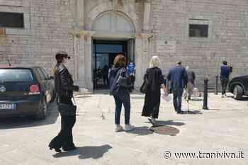 Giustizia sospesa, il commento sul flash mob davanti al Tribunale di Trani - TraniViva