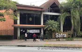 Sindicato fecha banco no Centro de Blumenau após cinco funcionários contraírem Covid-19 - O Município Blumenau