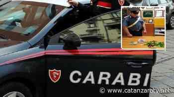 Lanciano droga dal finestrino alla vista dei Carabinieri, tre denunce a Catanzaro - catanzarotv