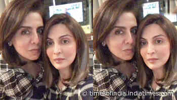 This picture of Riddhima Kapoor Sahni twinning with Neetu Kapoor is all about mother-daughter goals!