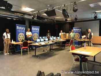 Rotary Club Leuven schenkt laptops aan 't Lampeke