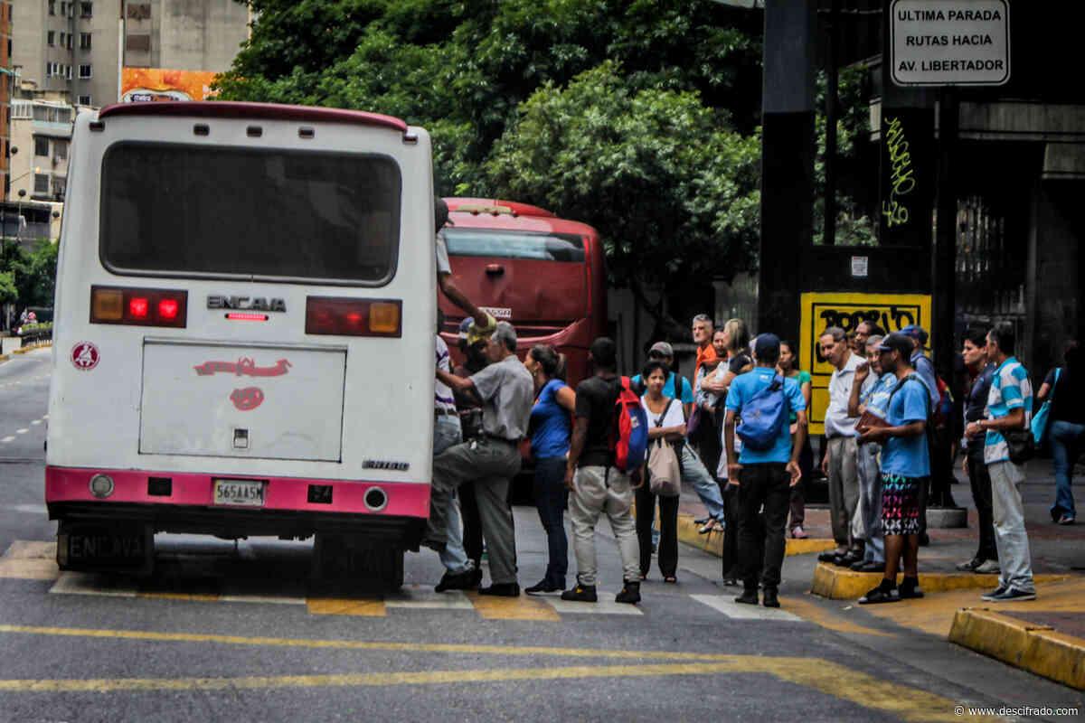 Transportistas vuelven a evaluar anclar el pasaje al dólar - Descifrado.com