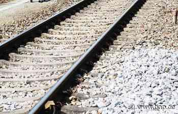 Jugendlicher spaziert über Gleise - Regionalexpress muss notbremsen - Passauer Neue Presse