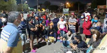 Más de 500 venezolanos varados en el Simón Bolívar - La Opinión Cúcuta