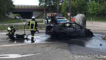 Autofahrer auf A81 bemerkt Rauch - kurz darauf steht Mercedes in Flammen - echo24.de