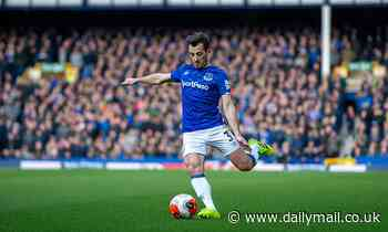 Everton offer Leighton Baines one-year deal and plot to let him see out his career at Goodison Park